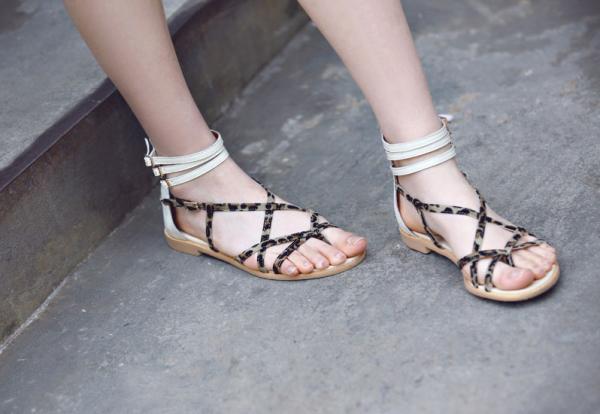 Mơ thấy giày dép có ý nghĩa gì? Giải mã mới nhất 2020